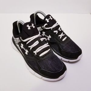 Under Armour Sz 7.5 Black/White Sneakers
